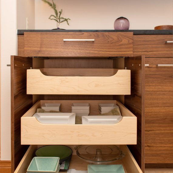 Portfolio - image 3360-25th-st-dining-room-cabinet-pullout-detail-3-570x570 on https://www.flatironsconstruct.com