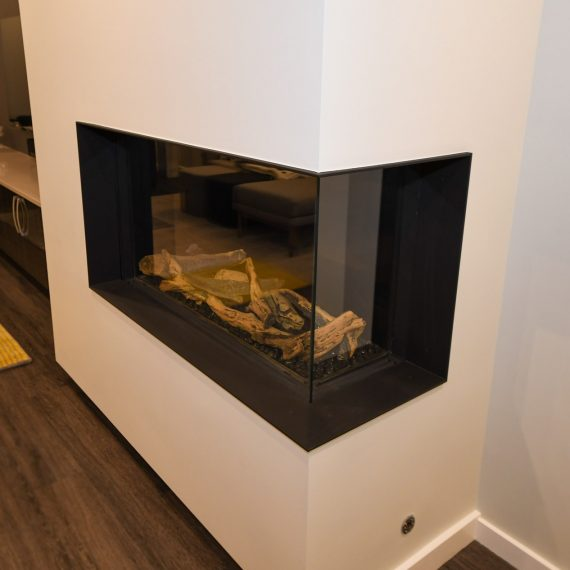 Portfolio - image 624-pearl-304-in-wall-fireplace-detail-570x570 on https://www.flatironsconstruct.com