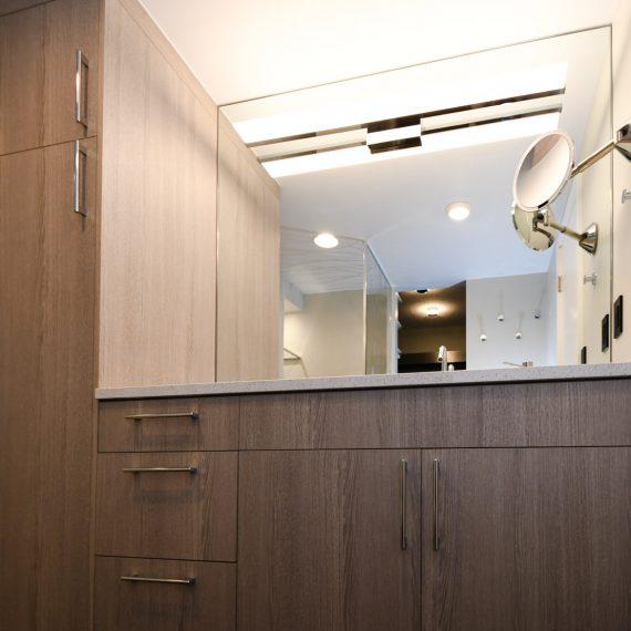Portfolio - image 624-pearl-304-master-bath-vanity-1-570x570 on https://www.flatironsconstruct.com