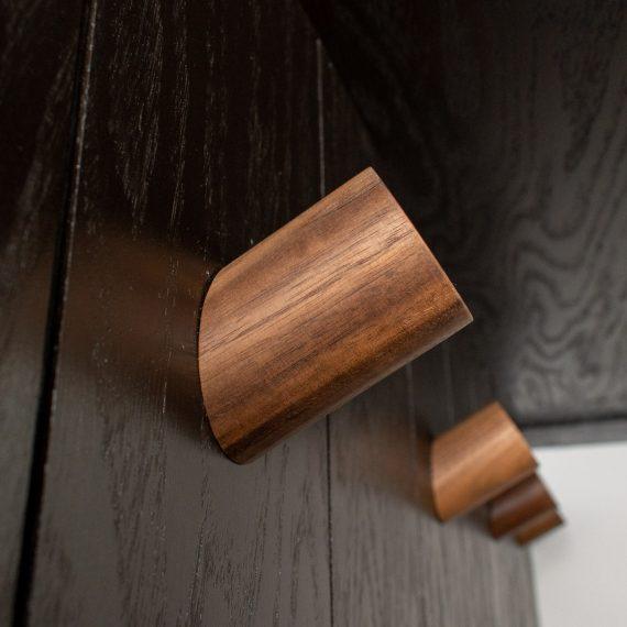Portfolio - image 7810-durham-nook-wood-hooks-detail-570x570 on https://www.flatironsconstruct.com