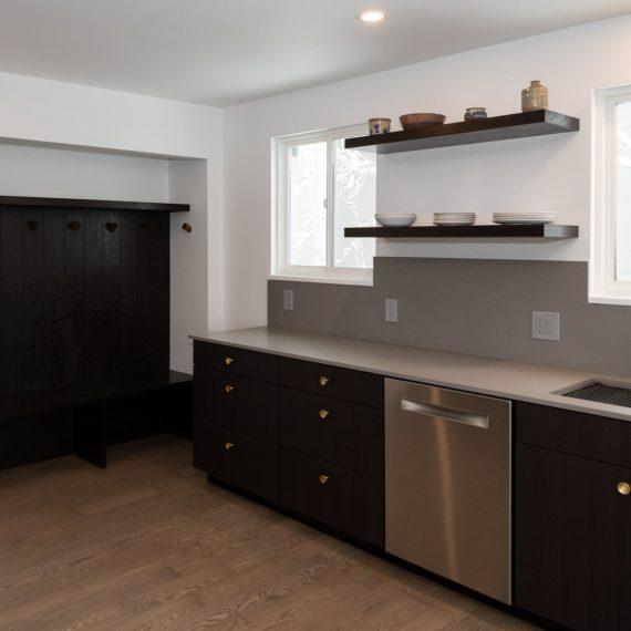 Portfolio - image 7810-durham-way-kitchen-cabinets-shelves-nook-overview-570x570 on https://www.flatironsconstruct.com